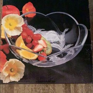 ✨✨ Beautiful Crystal Serving Bowl ✨✨